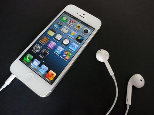 Apple iPhone 5 Refurbished - Buat Yang Pingin iPhone Canggih Nan Murah